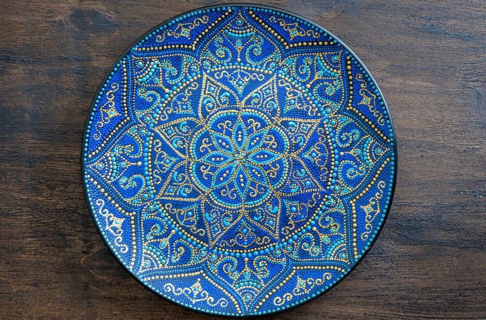 Hand painted dots plate with intricate detail
