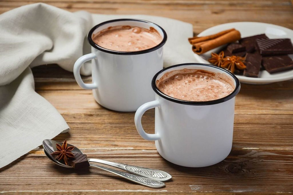 hot cocoa list of 100 ideas to do in winter with family